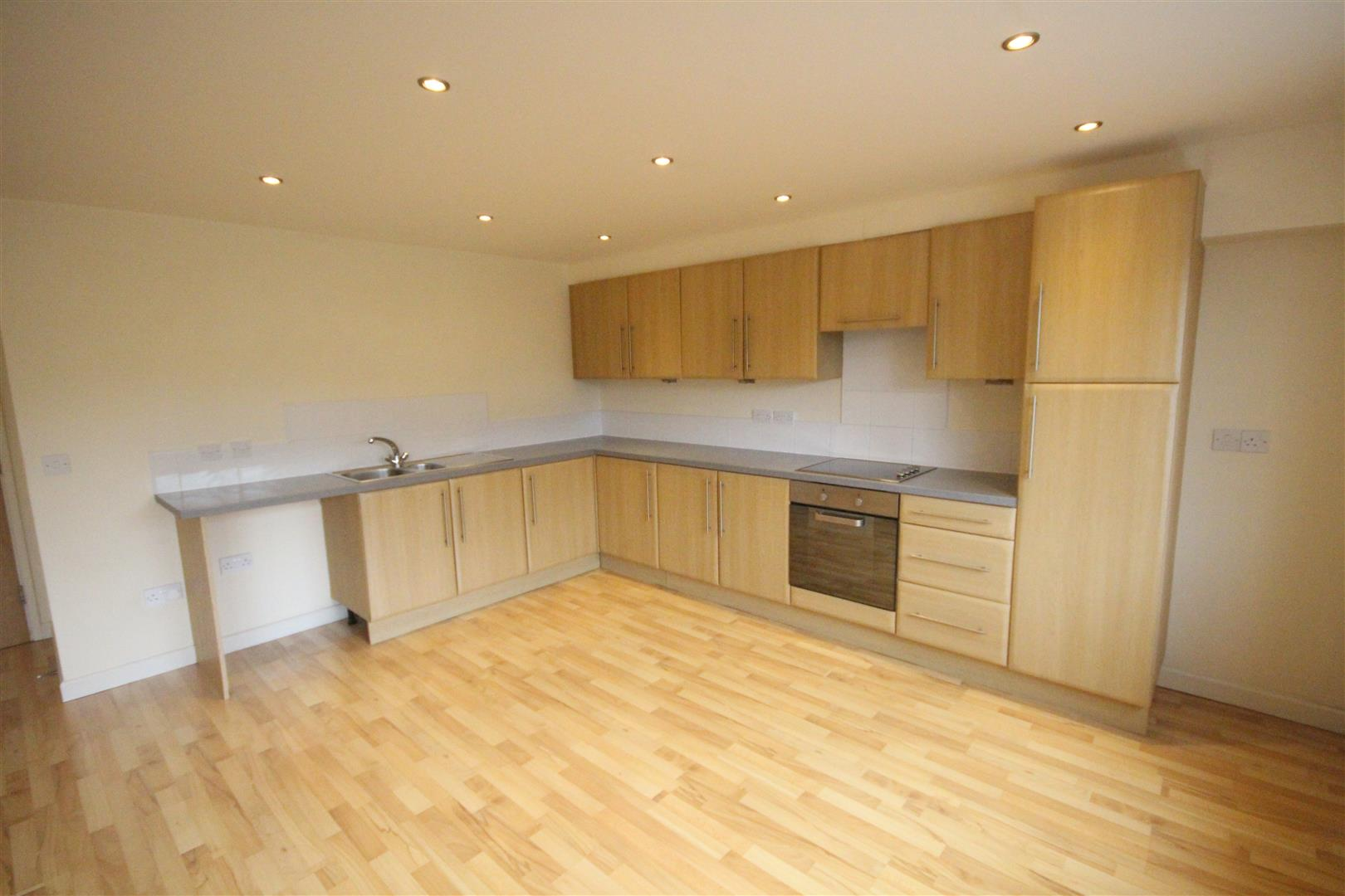 2 bedroom apartment For Sale in Colne - IMG_3439.jpg